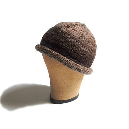 HAND KNITTED CAP_WINTER WOOD