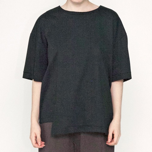 ASYMMETRY T-SHIRTS_BLACK