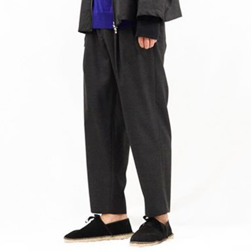 WOOL 2TUCK EASY PANTS_CHARCOAL