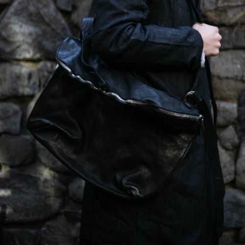 HORSE FULL GRAIN MESSENGER BAG_BLACK