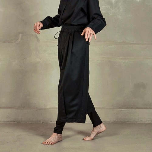 PLEATED HEM PANTS