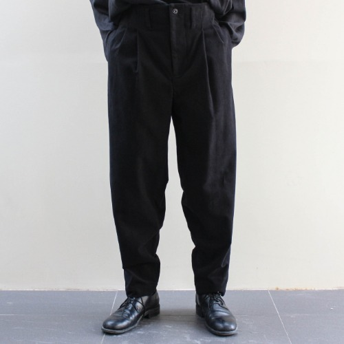 TWO PLEAT TROUSER_BLACK