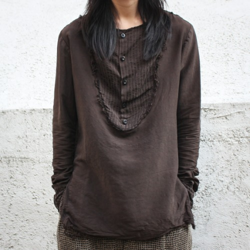 COLLARLESS BIB SHIRT_PEARL/BROWN